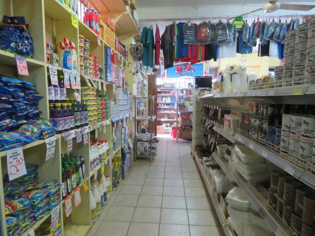 Taveuni: Shop in Wairiki