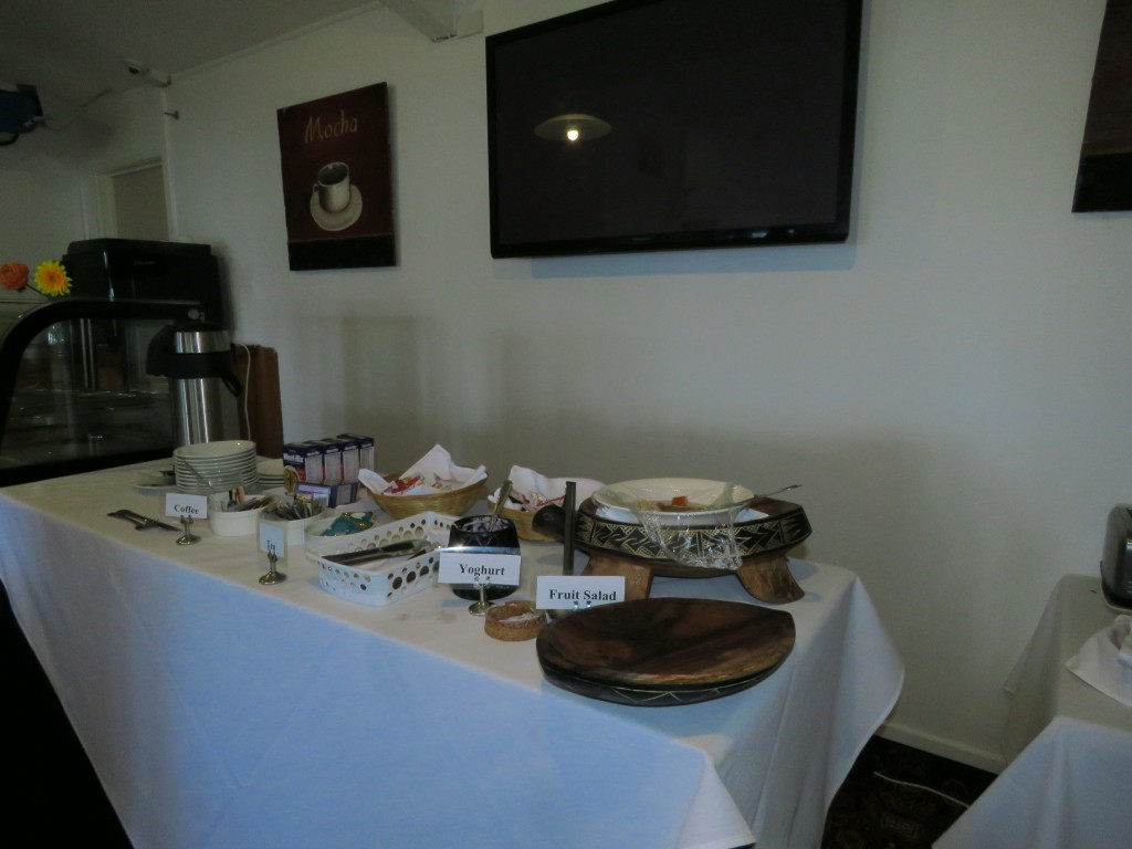 NZ: Oponomi Hotel - Continental Breakfast