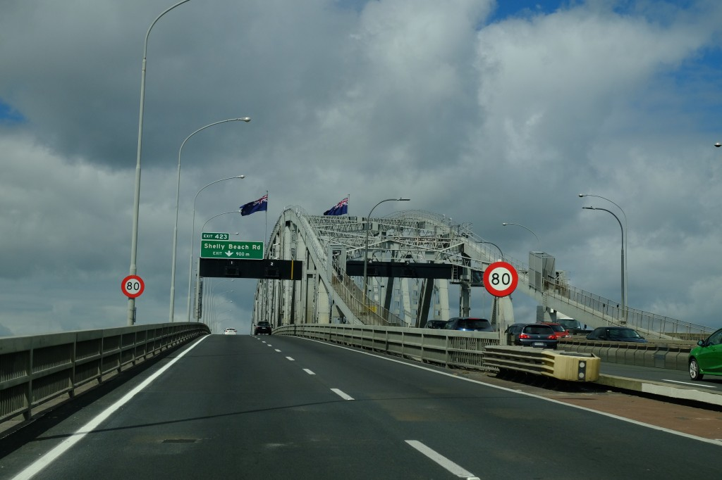 NZ: Auckland Harboud Bridge