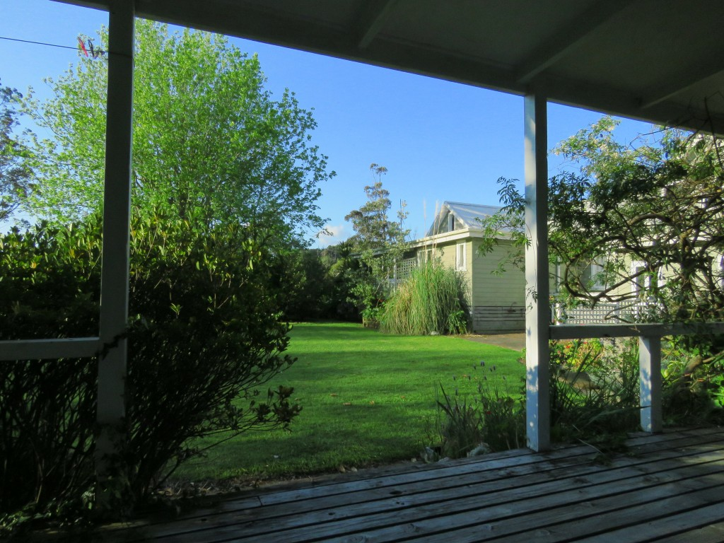 NZ: Coromandel Pottery Lane Cottage 1
