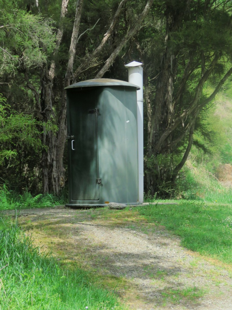 NZ: Wairau-River - Toilette