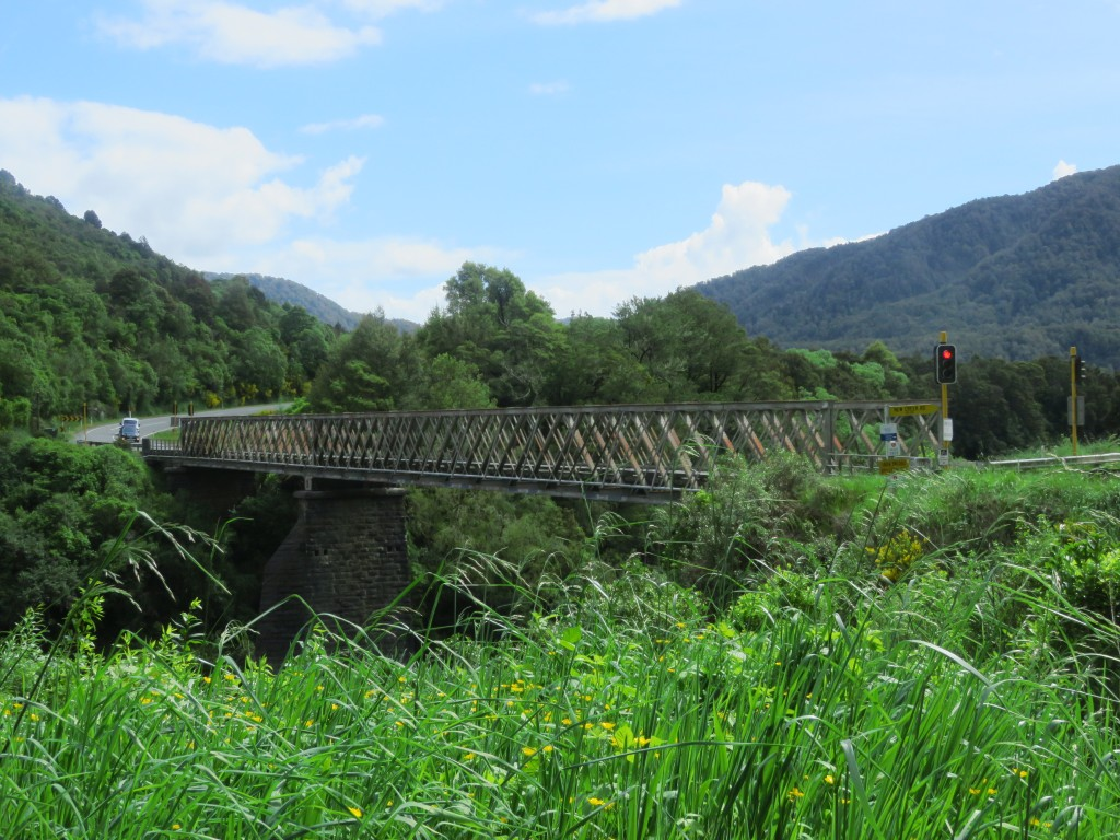 NZ: Buller River Iron Bridge